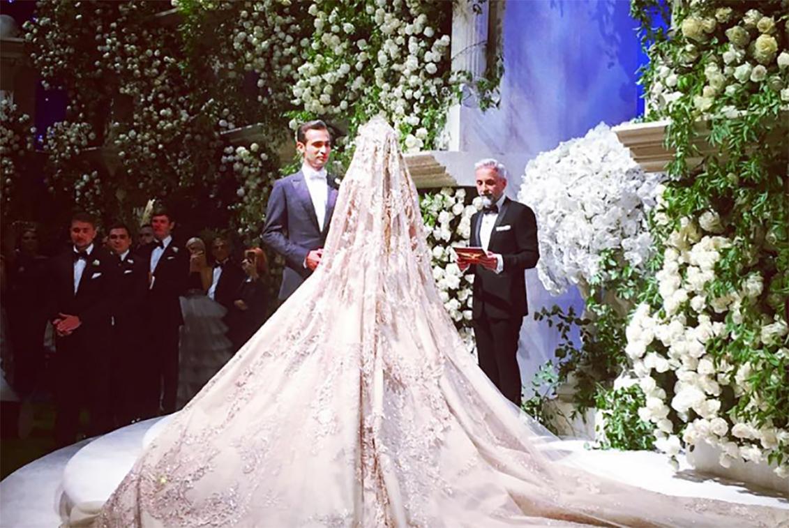 1 million dollar wedding dresses photo - 1