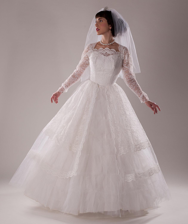1960s wedding dresses photo - 1