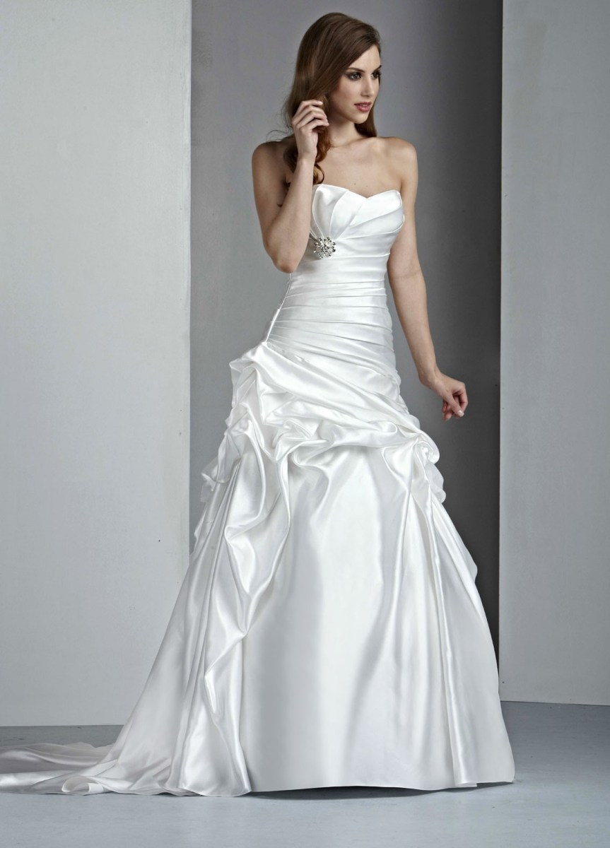 a-line wedding dresses photo - 1