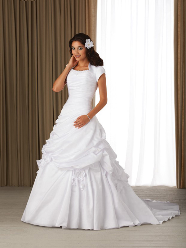 august wedding dresses photo - 1