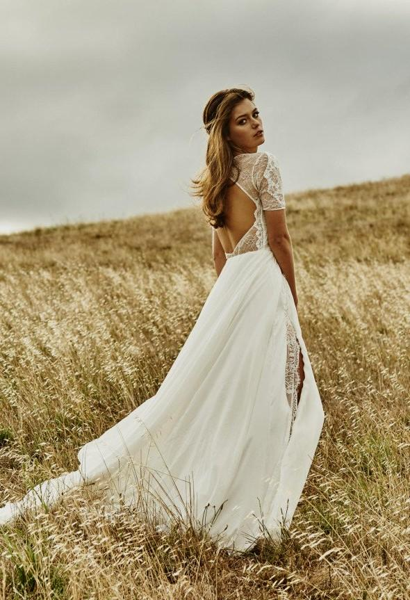 barn wedding dresses photo - 1