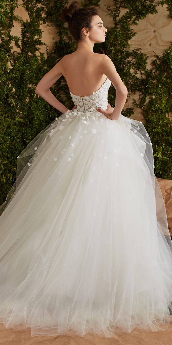 barn wedding dresses for guests photo - 1