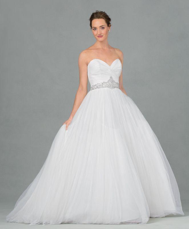 best wedding dresses for curvy figures photo - 1