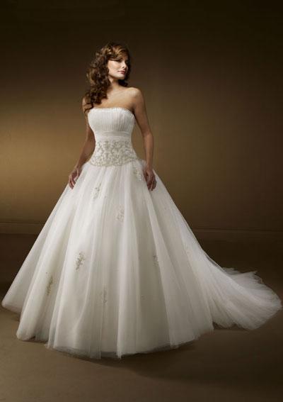 big white wedding dresses photo - 1
