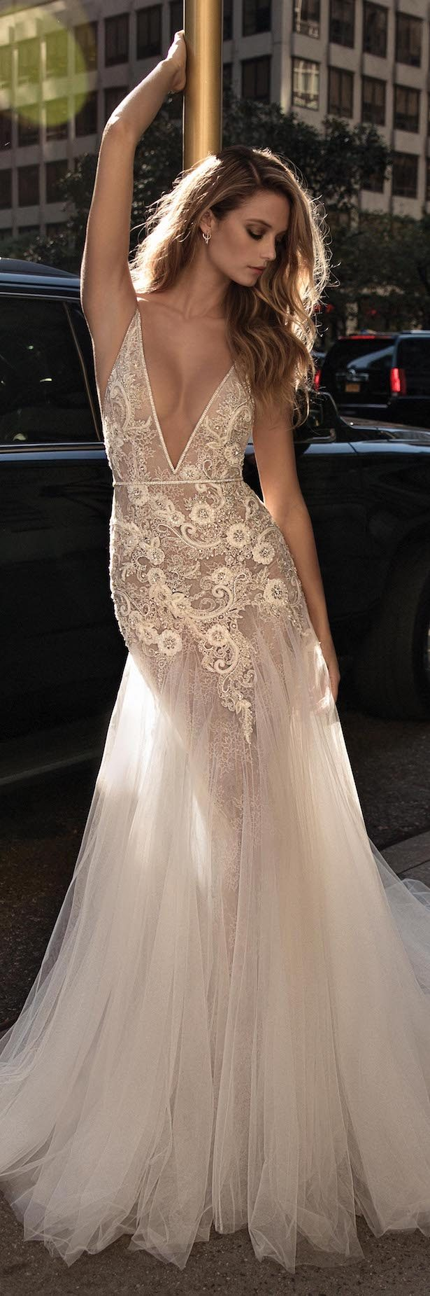 biggest wedding dresses in the world photo - 1
