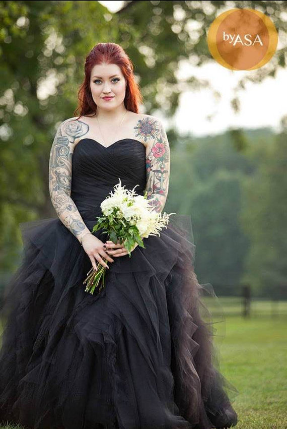black and red wedding dresses photo - 1