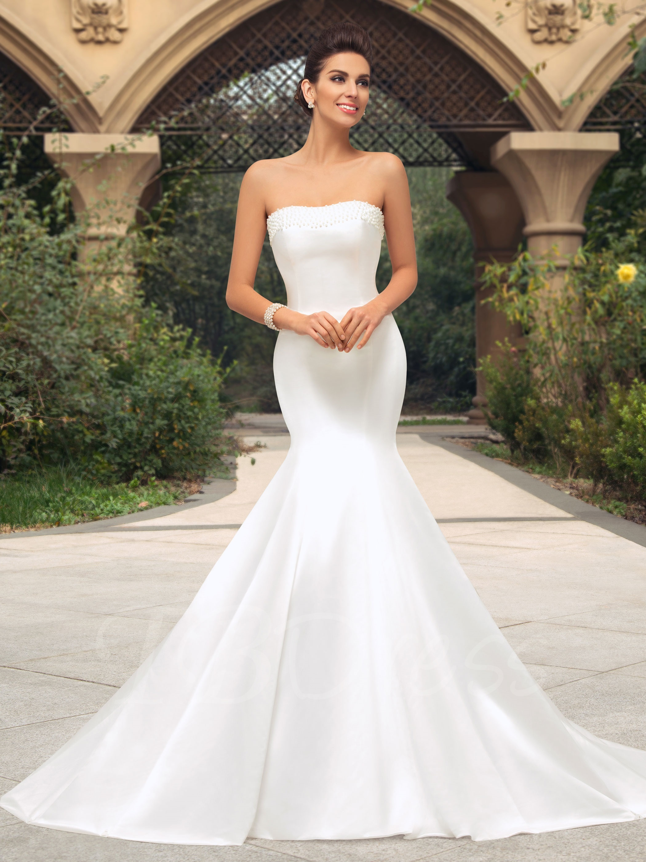 body fitted wedding dresses photo - 1