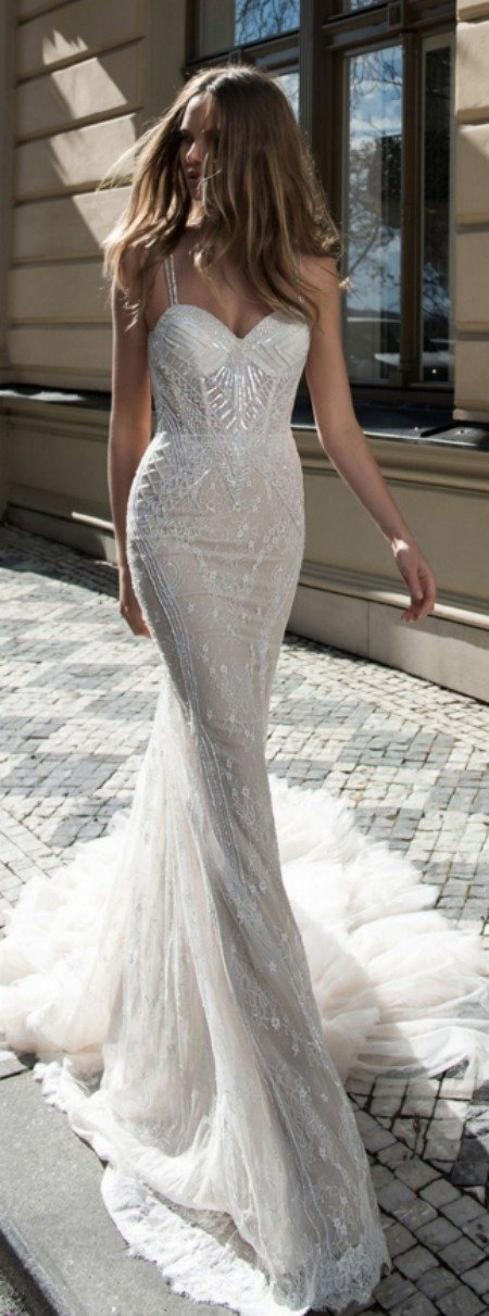 body fitting wedding dresses photo - 1