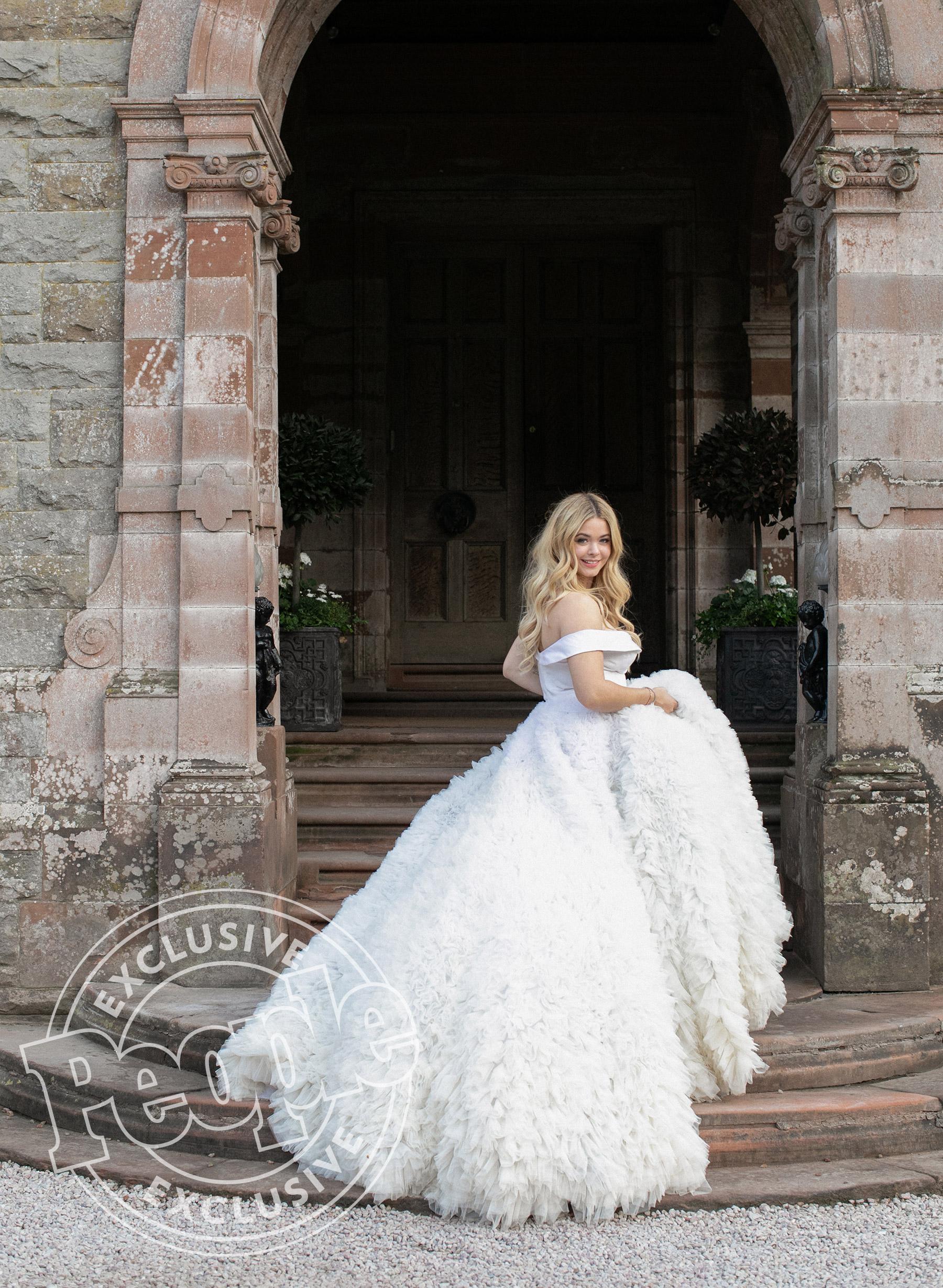 castle wedding dresses photo - 1
