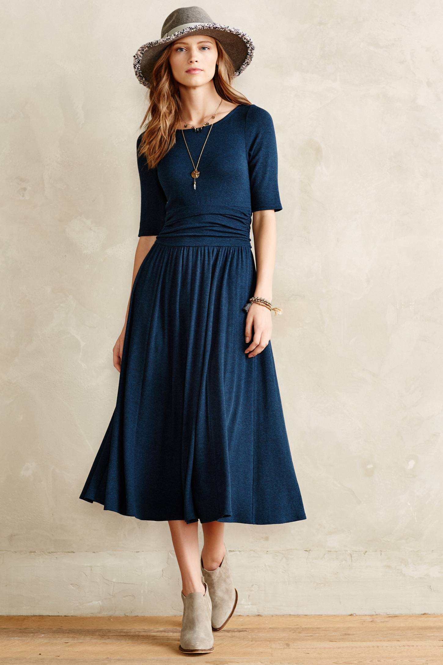 classic dresses for wedding guest photo - 1