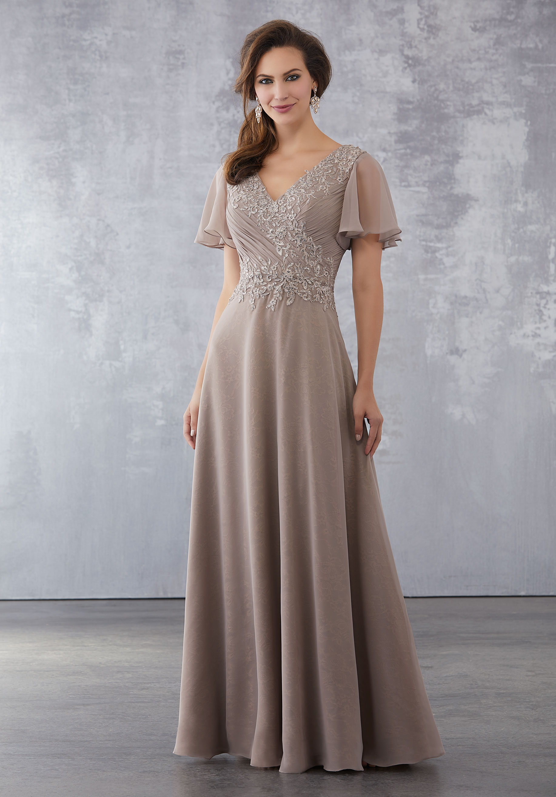 evening and formal dresses photo - 1
