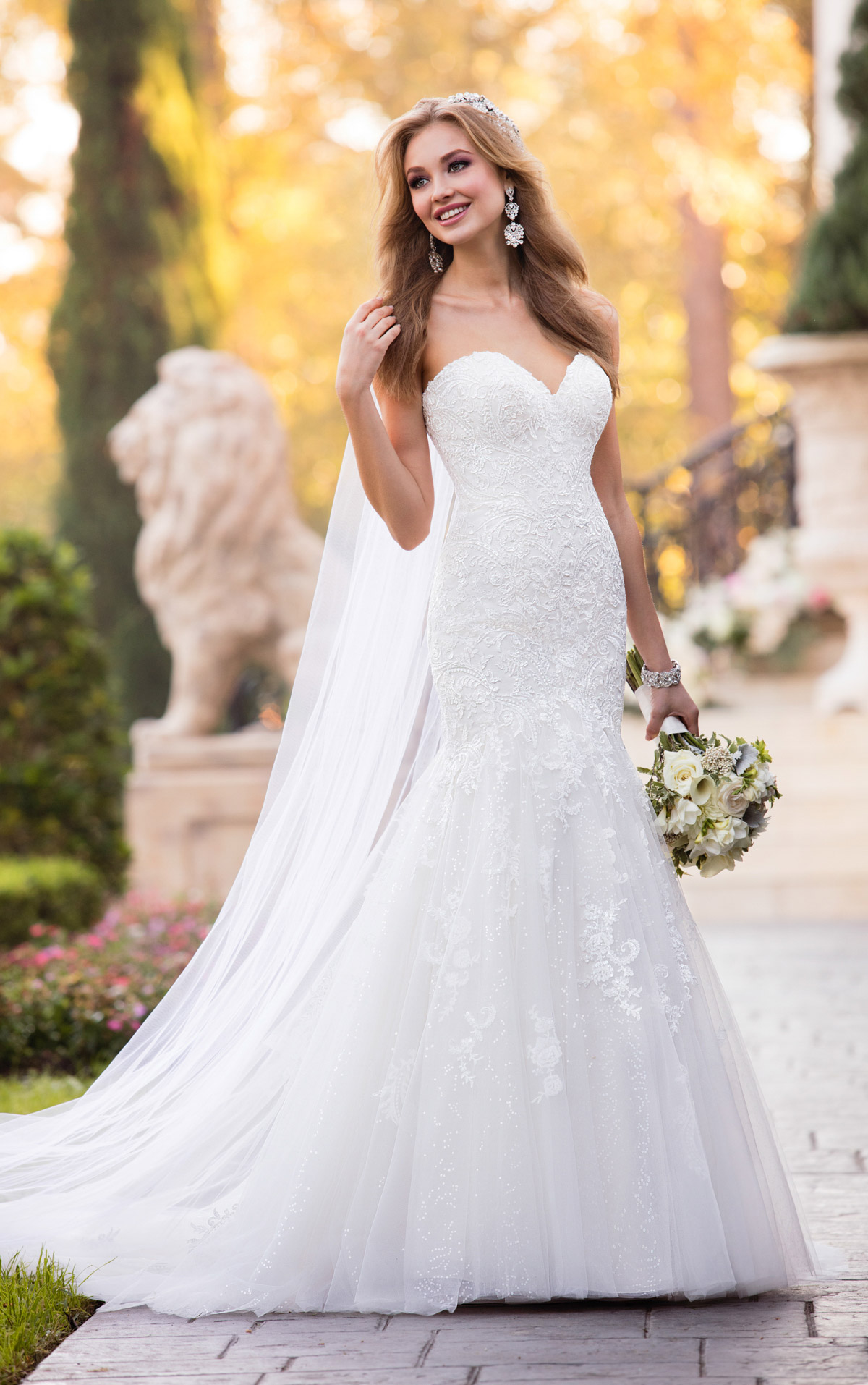 fitted wedding dresses with sleeves photo - 1