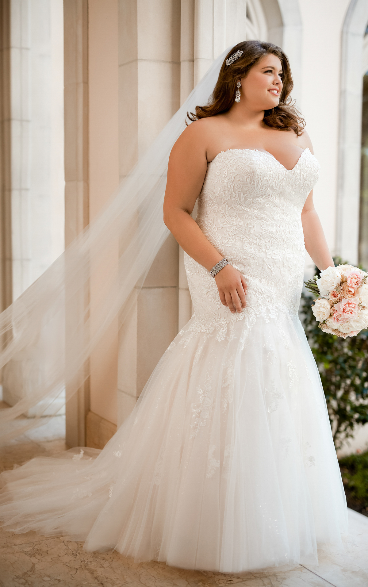 form fitting lace wedding dresses photo - 1