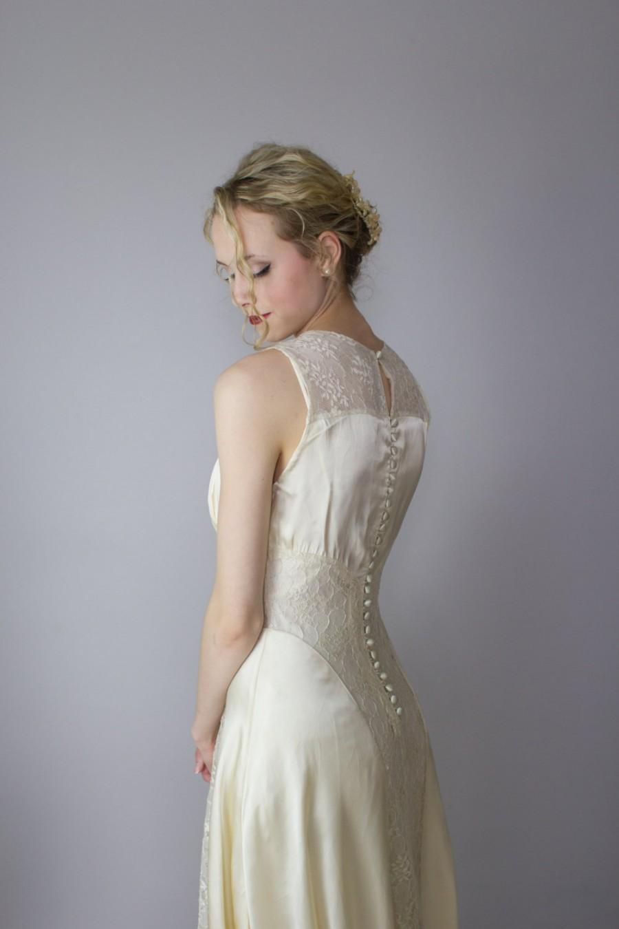 gold vintage wedding dresses photo - 1