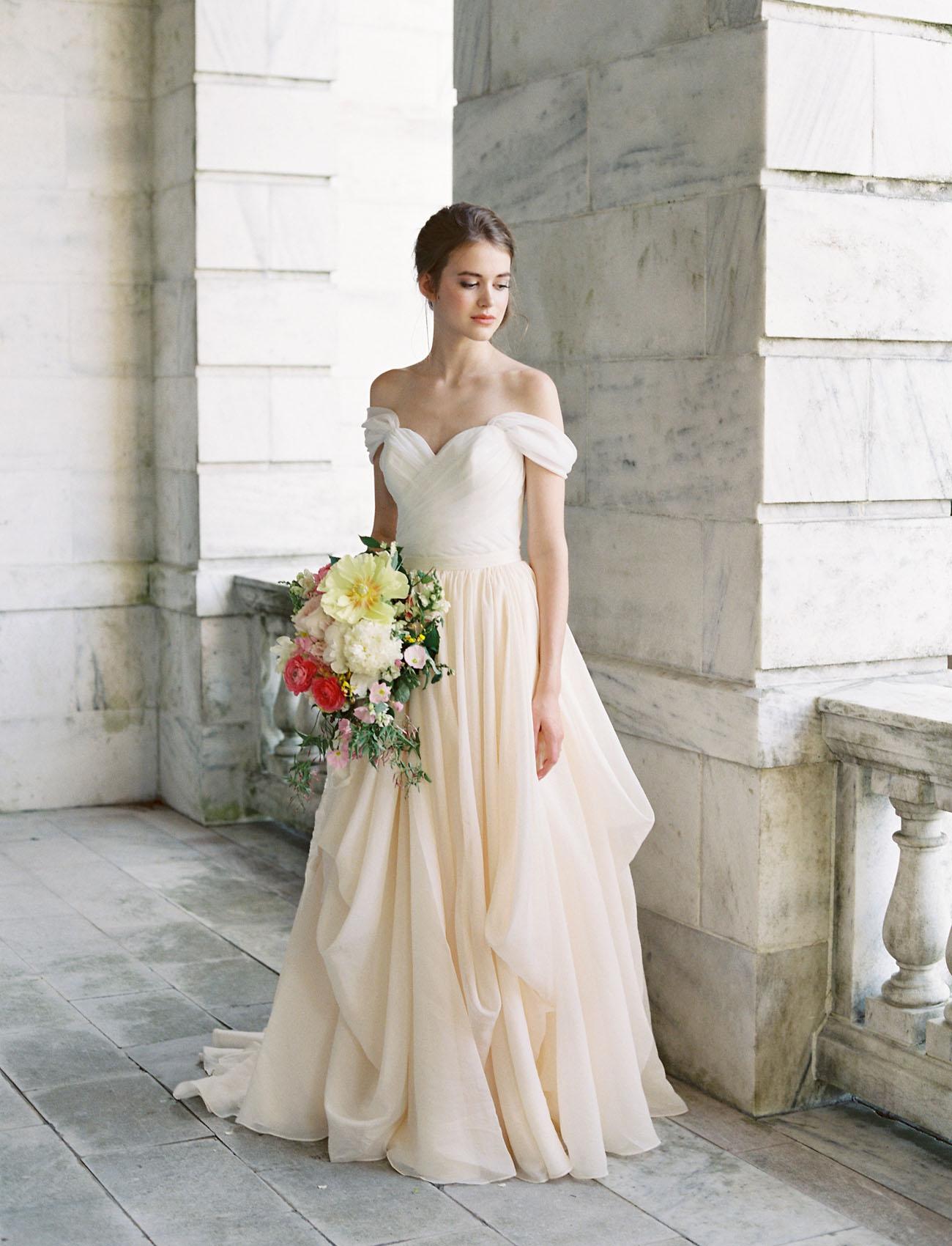 gorgeous lace wedding dresses photo - 1