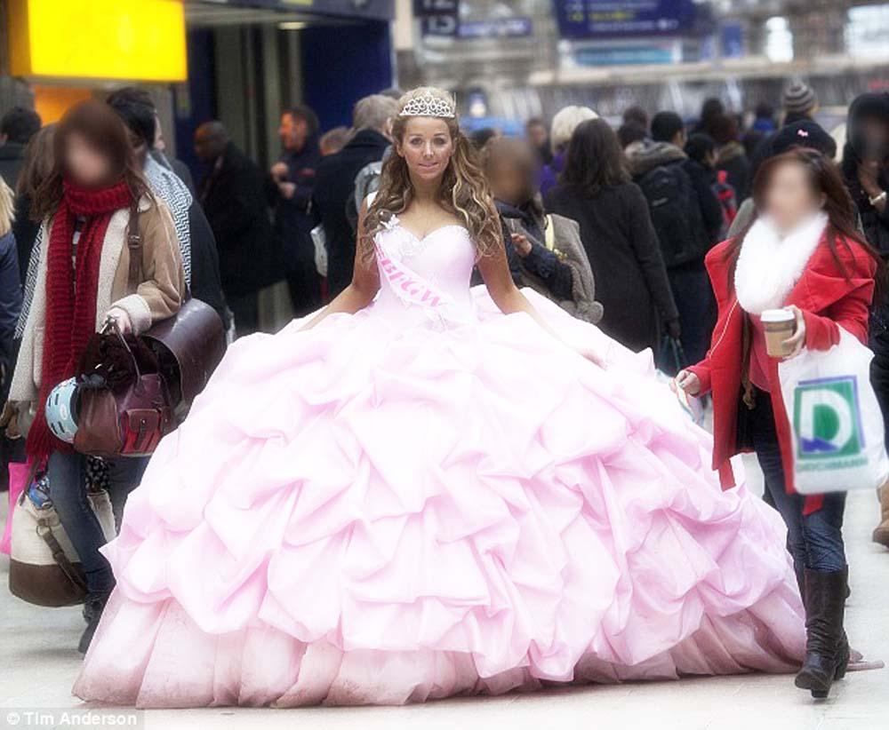gypsy wedding dresses cost photo - 1