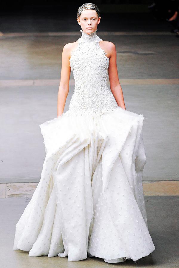 ivory wedding dresses meaning photo - 1