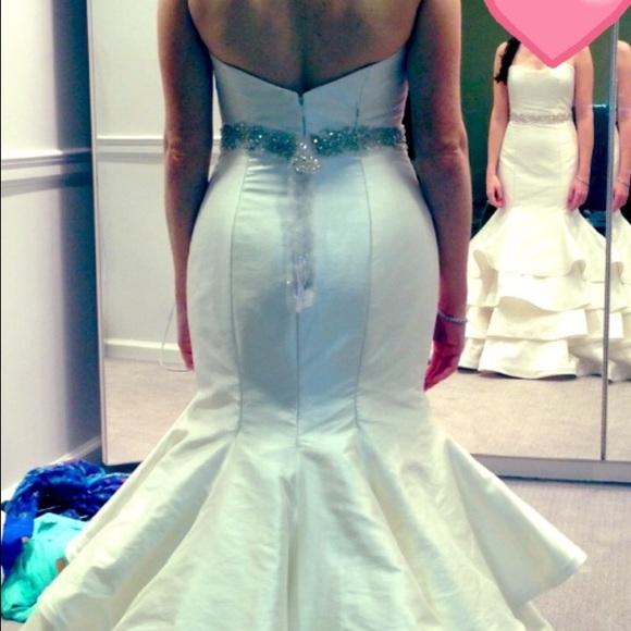 jim hjlem wedding dresses photo - 1