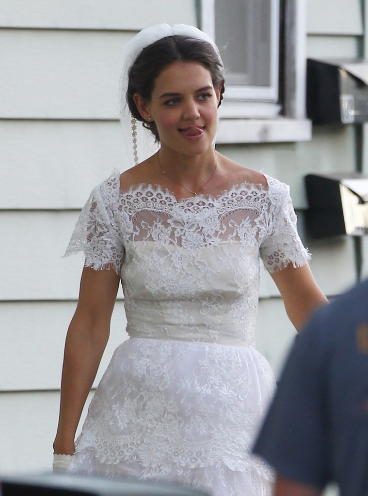 katie holmes wedding dresses photo - 1