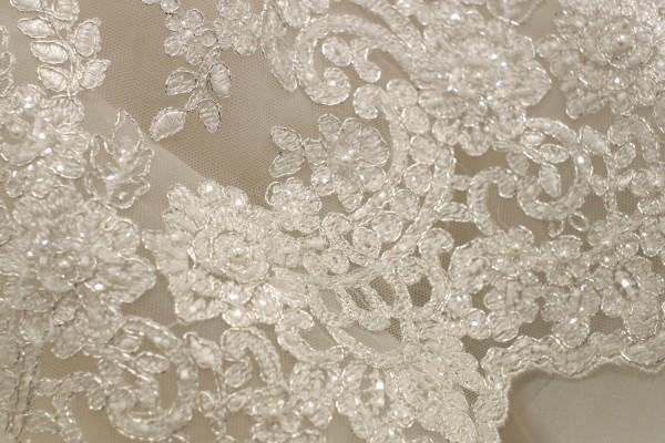 lace fabrics for wedding dresses photo - 1