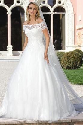 lace short sleeve wedding dresses photo - 1