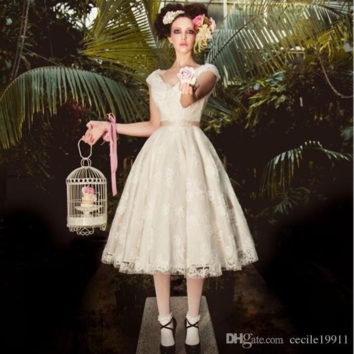 lace short wedding dresses photo - 1