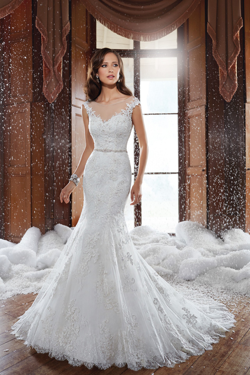 lace wedding dresses designers photo - 1