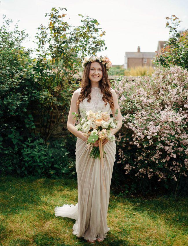 laid back wedding dresses photo - 1