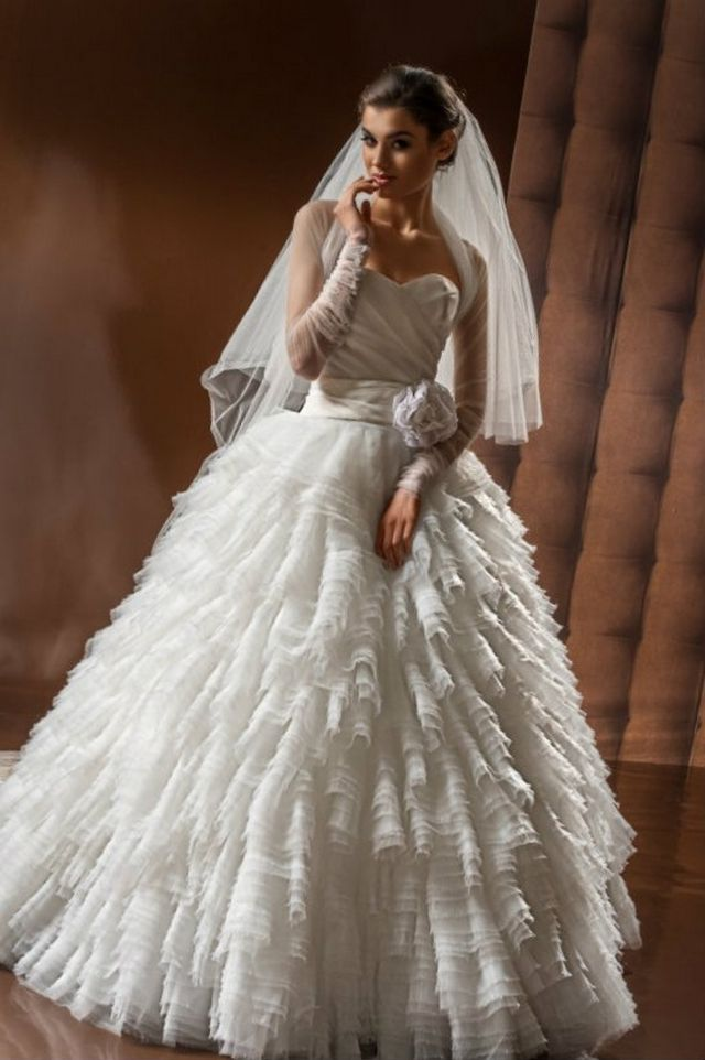 long puffy wedding dresses photo - 1