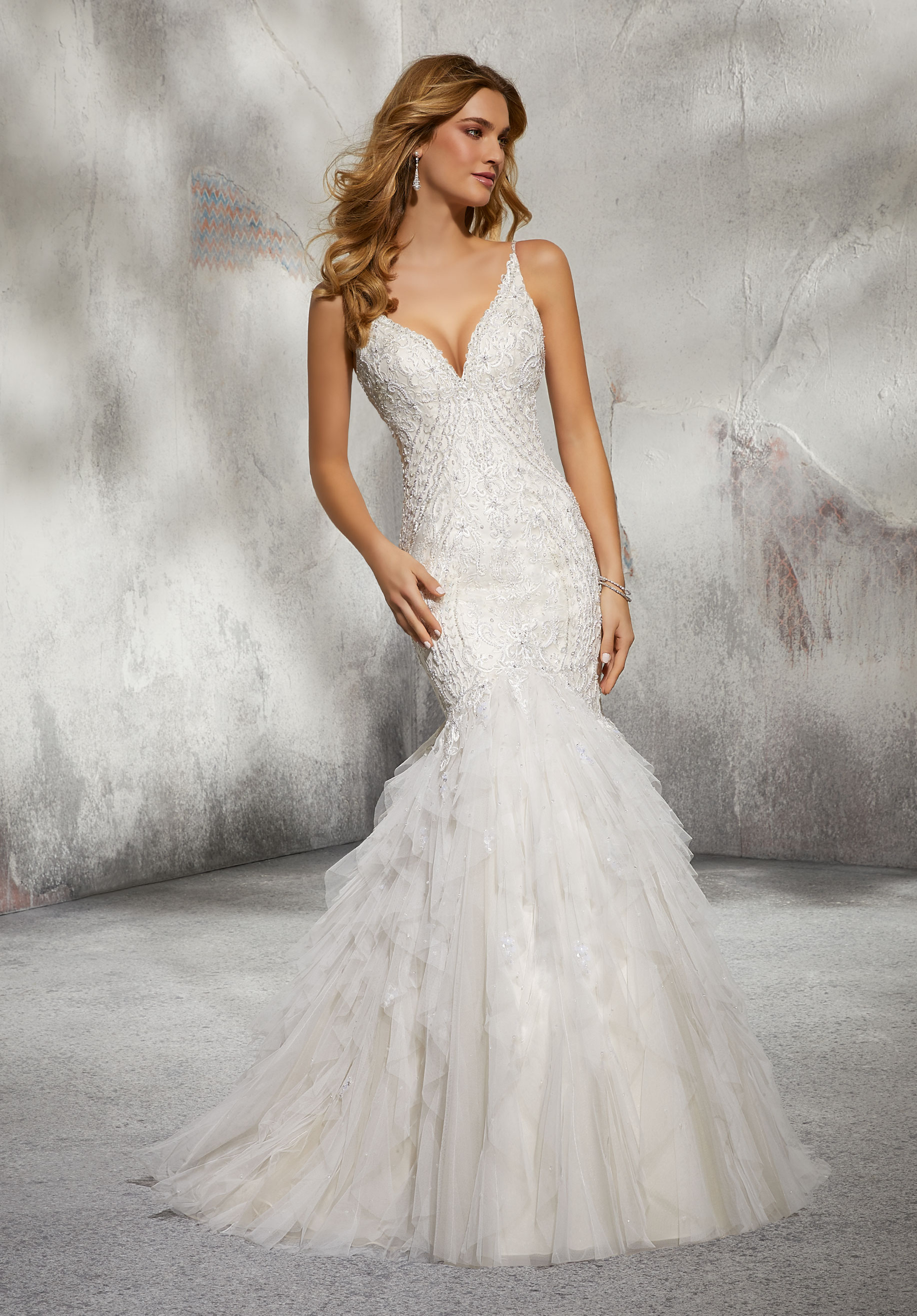 look for wedding dresses photo - 1
