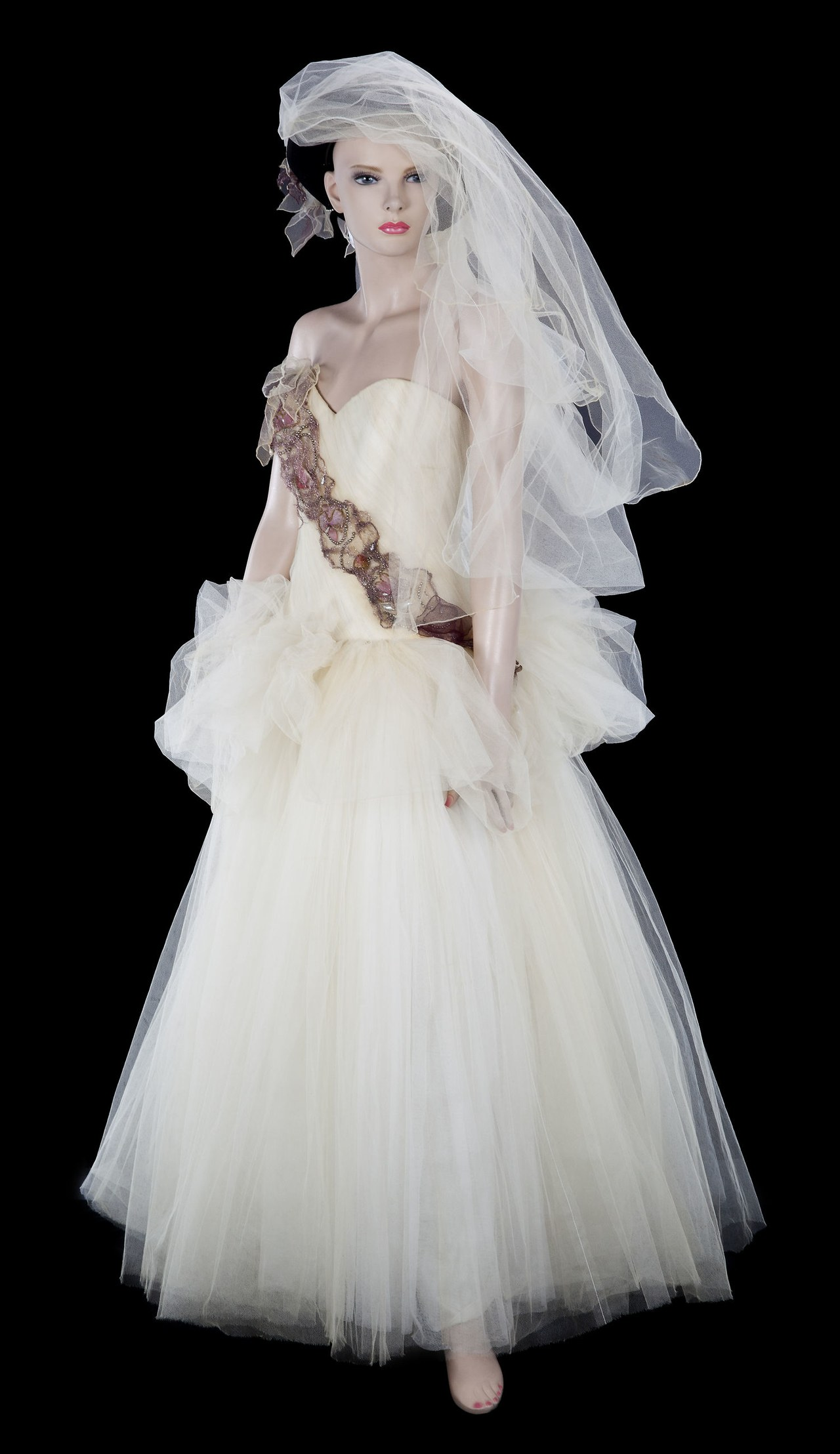 madonna wedding dresses photo - 1