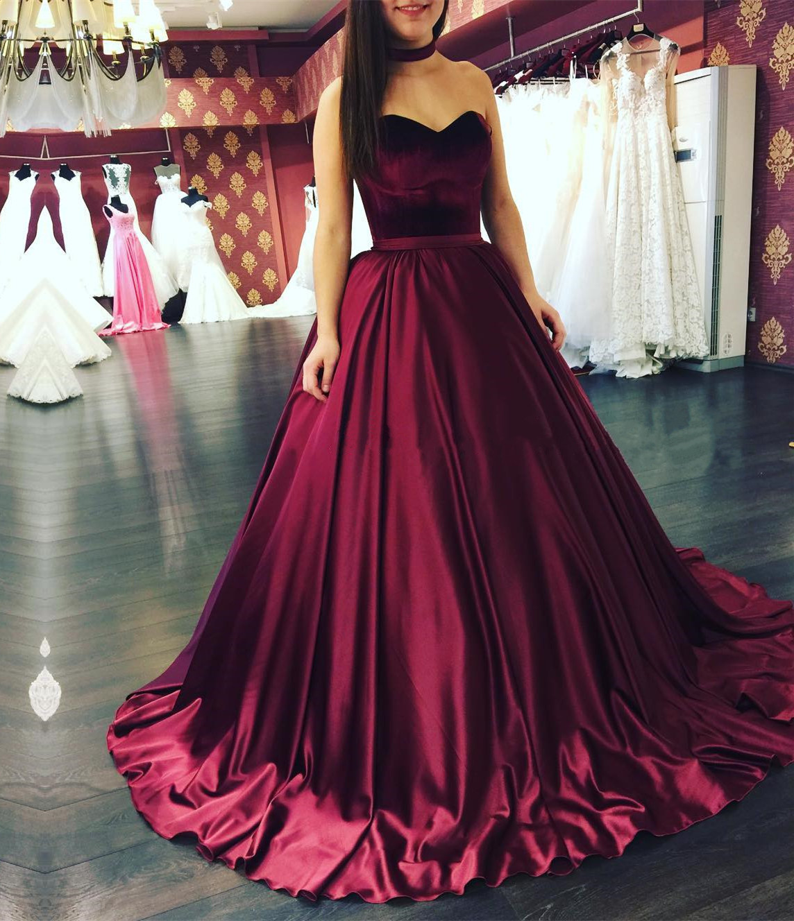 maroon dresses for wedding photo - 1