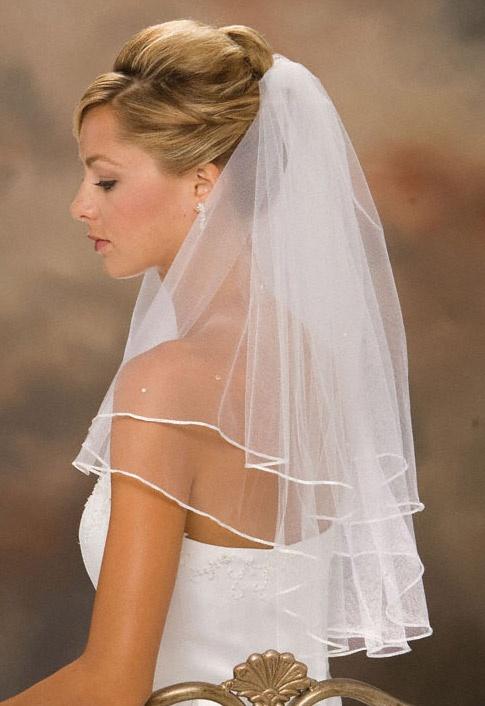 medium length wedding dresses photo - 1