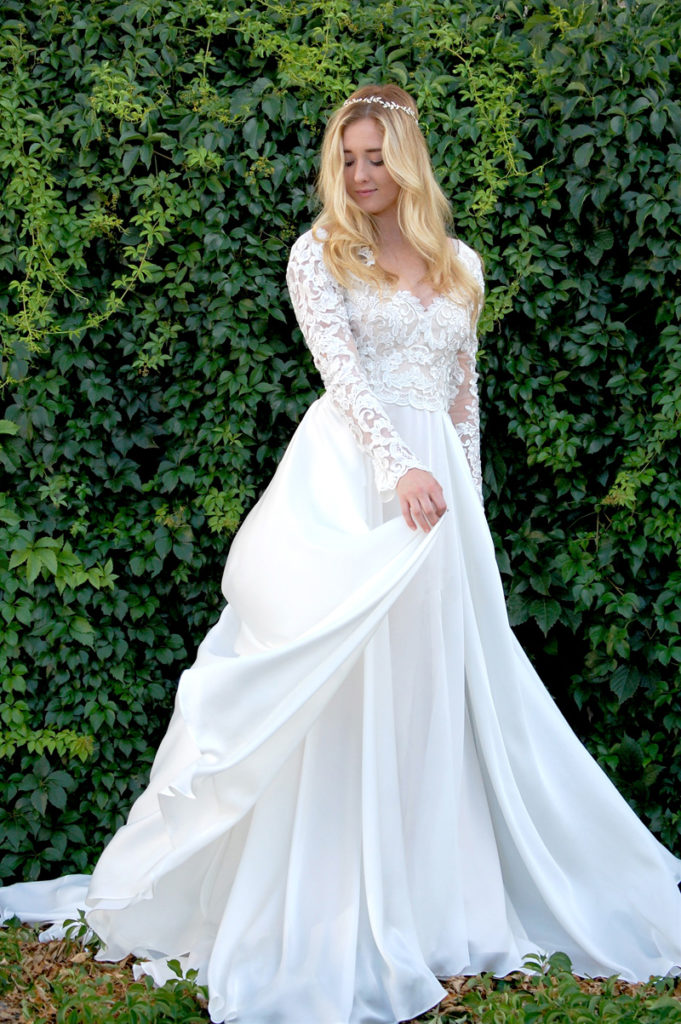 modest lace wedding dresses with sleeves photo - 1
