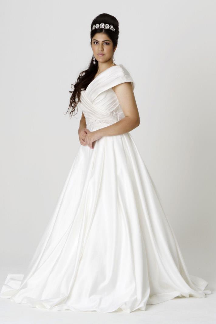 monique lou wedding dresses photo - 1
