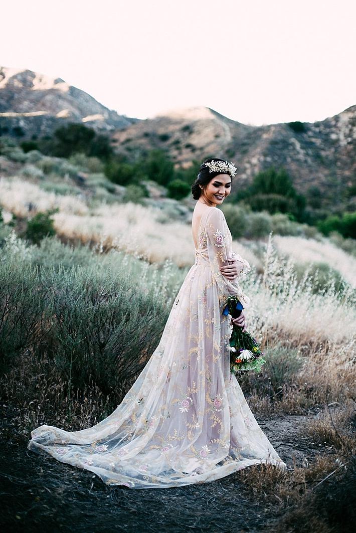 mountain wedding dresses photo - 1