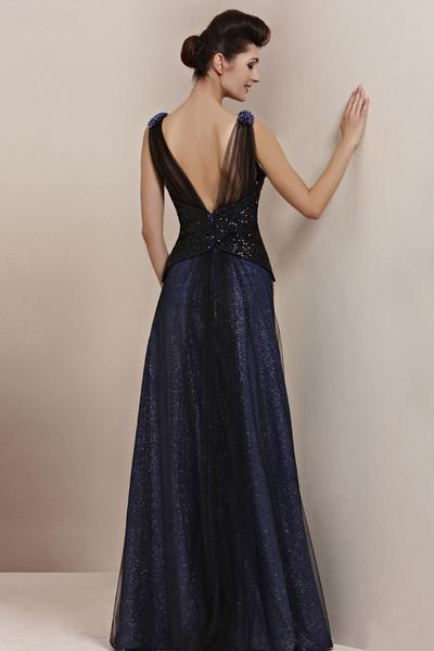 navy dresses for a wedding photo - 1