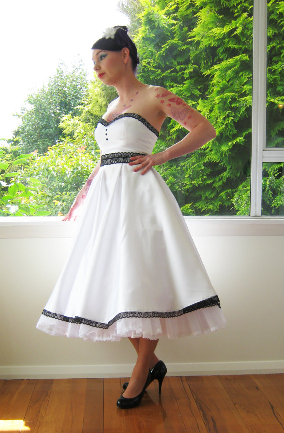pin up style wedding dresses photo - 1