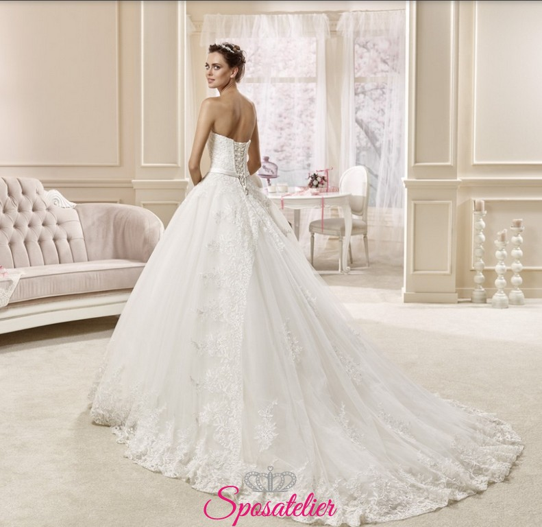 plain wedding dresses photo - 1