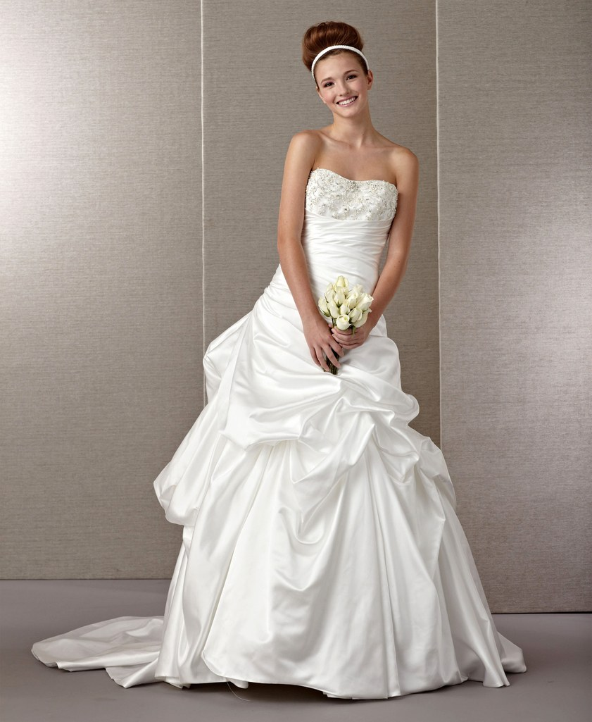 popular wedding dresses photo - 1