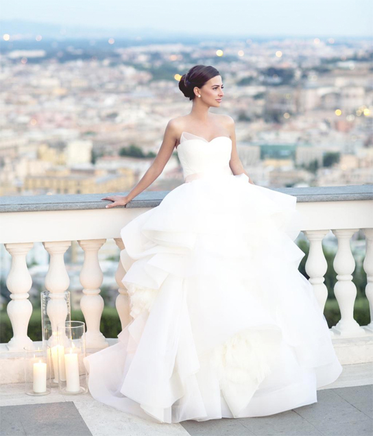 pre-owned wedding dresses photo - 1