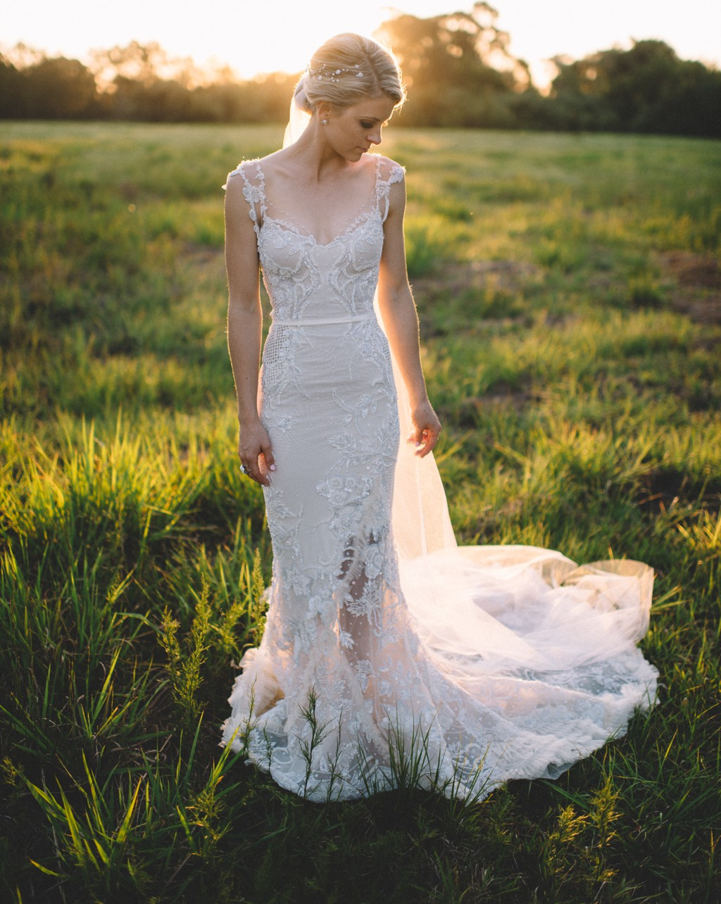 preowned wedding dresses au photo - 1