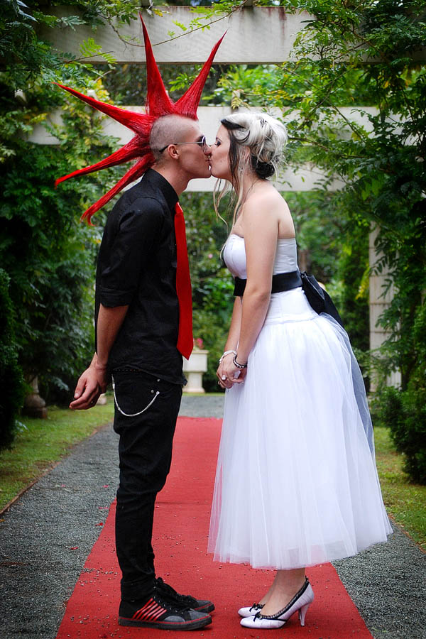 punky wedding dresses photo - 1