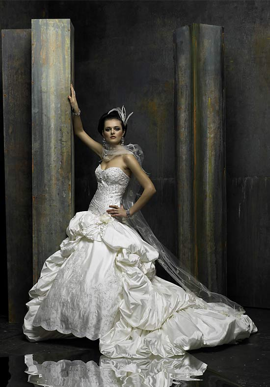 saint pucchi wedding dresses photo - 1