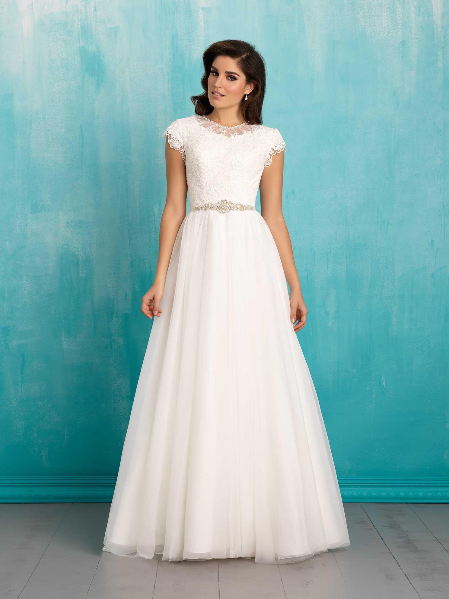 scoop back wedding dresses photo - 1