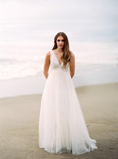 sexy maternity wedding dresses photo - 1
