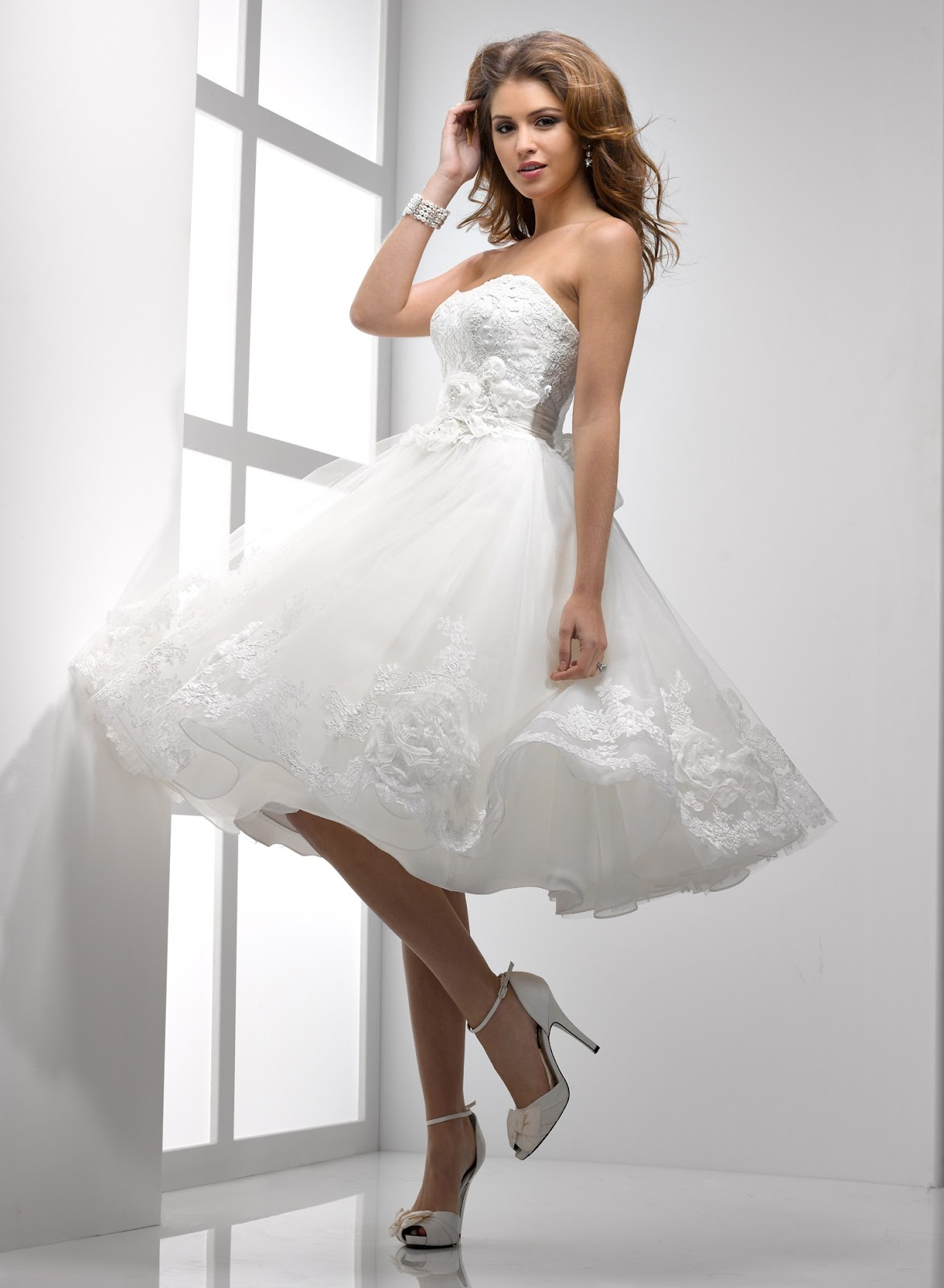 short ball gown wedding dresses photo - 1