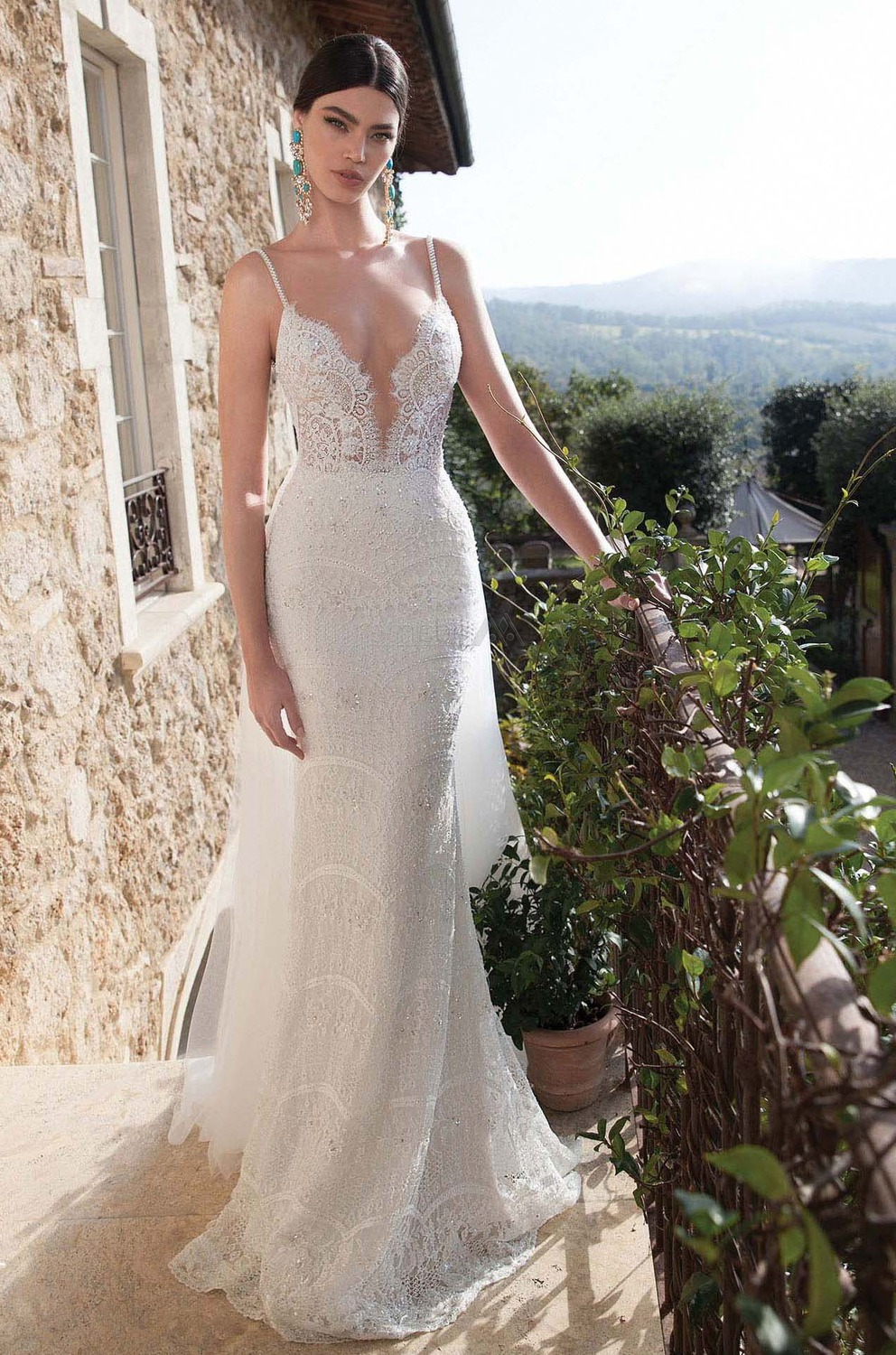 short fitted wedding dresses photo - 1