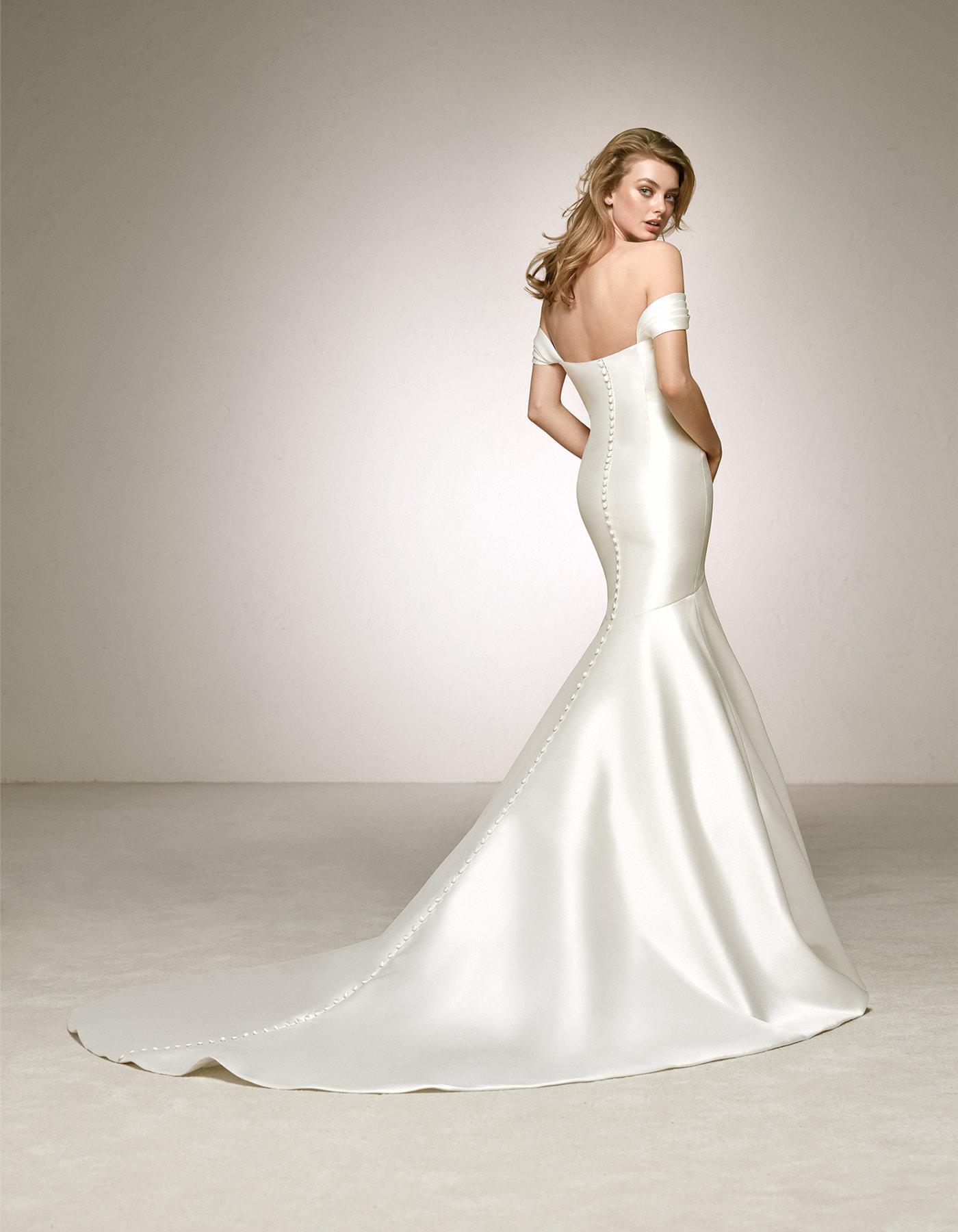 silk wedding dresses with sleeves photo - 1