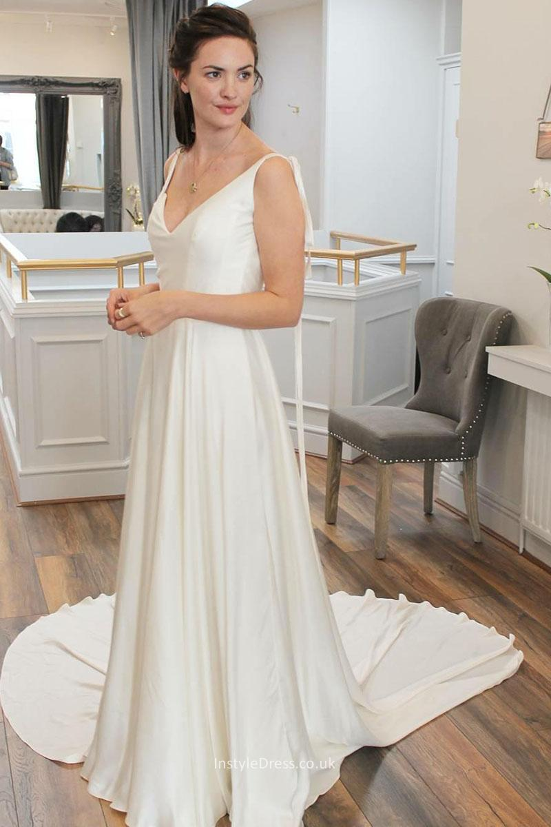 simple wedding dresses with straps photo - 1